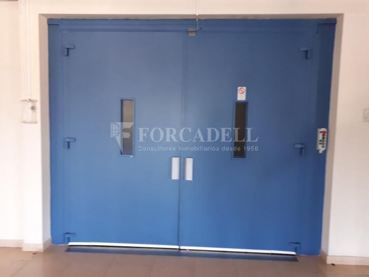 Nave industrial en venta de 1.215 m² - Montcada i Reixach, Barcelona. 3
