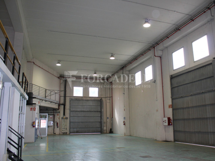 Nave industrial en venta de 1.215 m² - Montcada i Reixach, Barcelona. #5