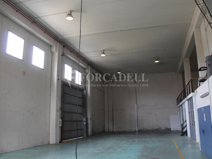 Nave industrial en venta de 1.215 m² - Montcada i Reixach, Barcelona. 6