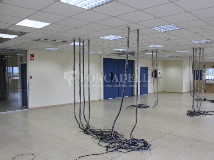 Nave industrial en venta de 1.215 m² - Montcada i Reixach, Barcelona. #7