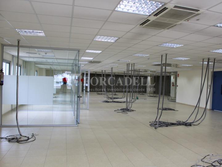Nave industrial en venta de 1.215 m² - Montcada i Reixach, Barcelona. #8