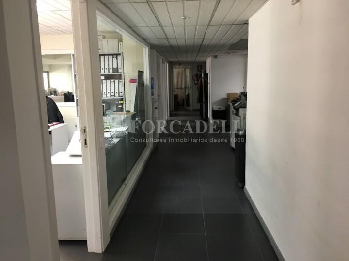 Edifici industrial en venda o lloguer d'3.256 m² - Sant Joan Despi, Barcelona  10