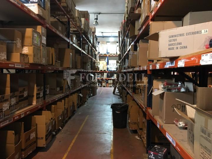 Edifici industrial en venda o lloguer d'3.256 m² - Sant Joan Despi, Barcelona  12