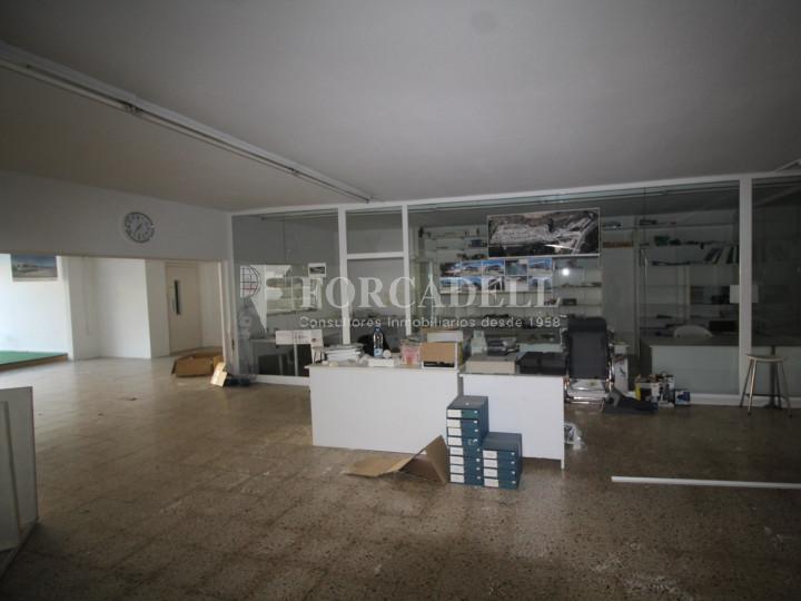 Edifici comercial de 3 plantes a la carretera de Castellar a Terrassa. Barcelona. #6