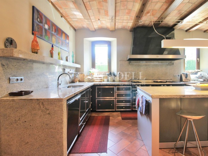 Casa rústica en venda al centre de Cardedeu 2