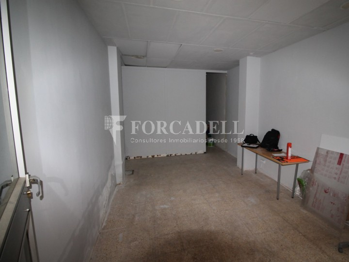Commercial space available a few meters from Barcelona Avenue and Catalunya Square. Terrassa Barcelona. 2
