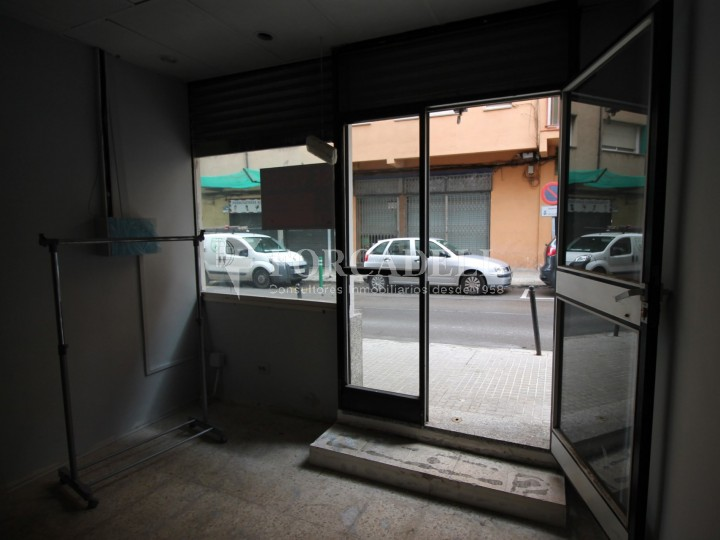 Commercial space available a few meters from Barcelona Avenue and Catalunya Square. Terrassa Barcelona. 8