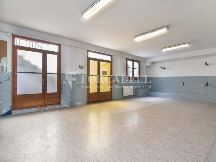 Local en lloguer acondicionat a Sant Antoni. Barcelona. Cod. 3128 #2