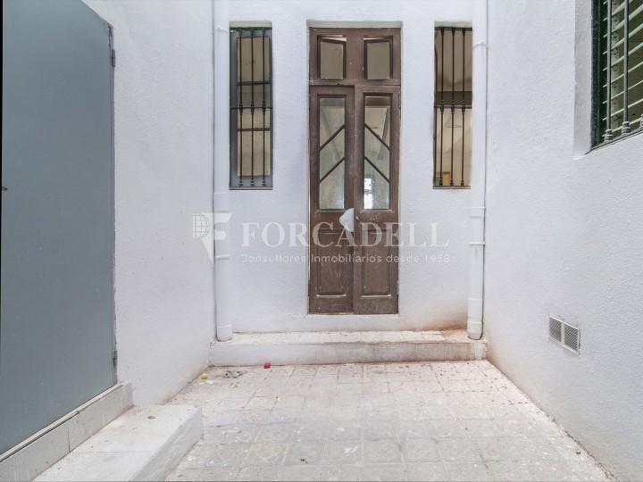 Local en lloguer acondicionat a Sant Antoni. Barcelona. Cod. 3128 #4