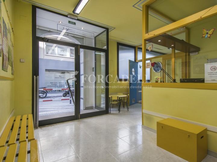 Corner commercial premises for sale in the center of Terrassa. Barcelona. 4