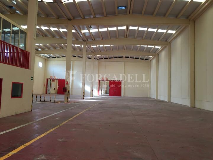 Nau industrial en venda de 2.765 m² - Collbato, Barcelona 3