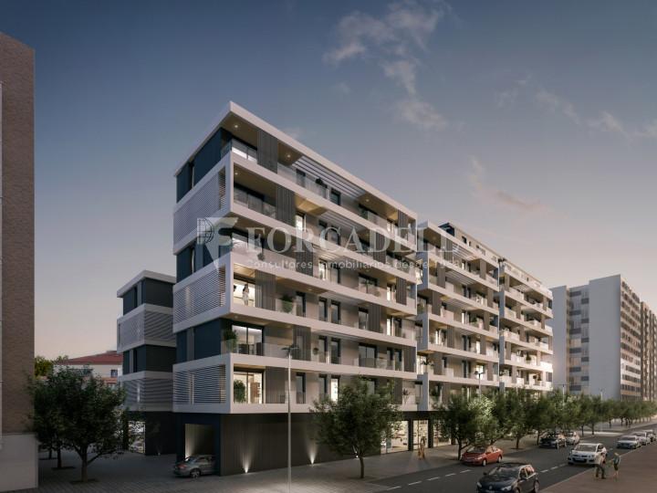 Pis de 61,23 m² més 10,27 m² de terrassa d'obra nova situat a la cinquena planta al centre de Sabadell