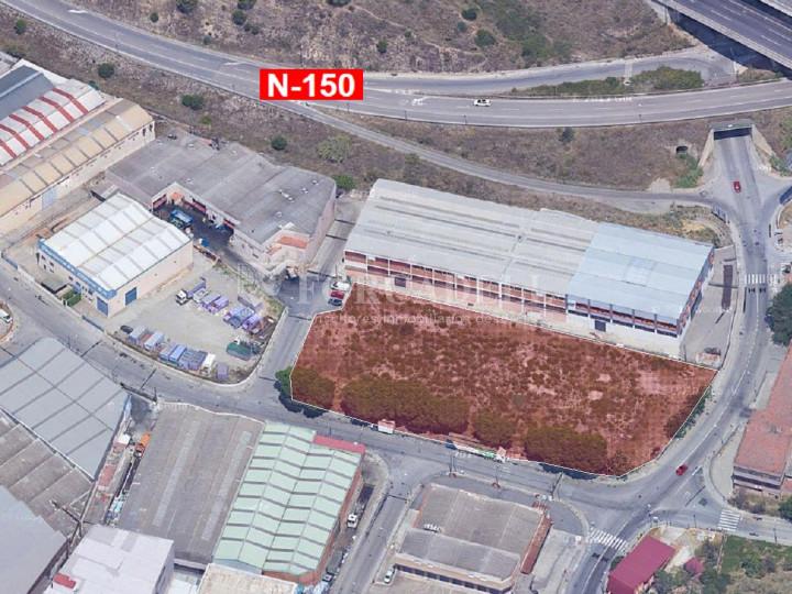 Solar industrial en venta de 5336 m² - Montcada i Reixach, Barcelona 1