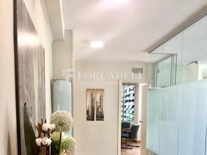 Oficina exterior en venda en rendibilitat junt a l'Av. Diagonal de Barcelona. 1