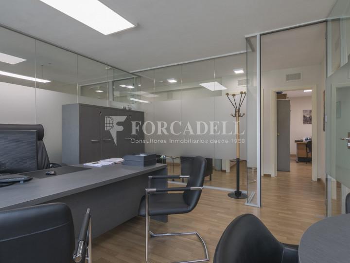 Oficina exterior en venda en rendibilitat junt a l'Av. Diagonal de Barcelona. 4