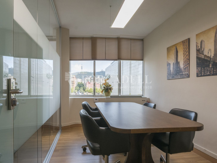 Oficina exterior en venda en rendibilitat junt a l'Av. Diagonal de Barcelona. 5