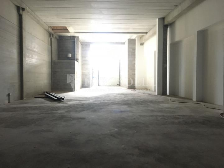 Nau industrial en venda de 786 m² - Cornellà de Llobregat, Barcelona. 4