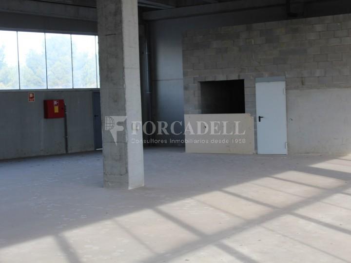 Nau industrial en venda de 1.295 m² - Barberà de Vallès, Barcelona 2