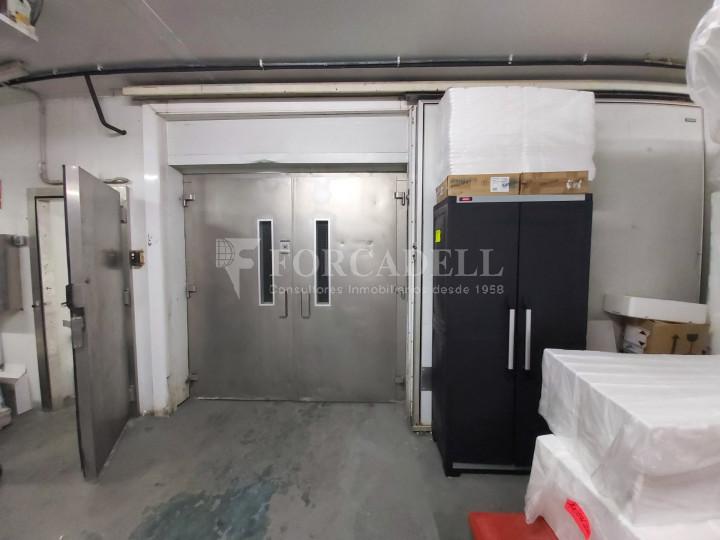 Nave industrial en venta con camaras de frio de 2.117 m² - Mercabarna, Barcelona  7