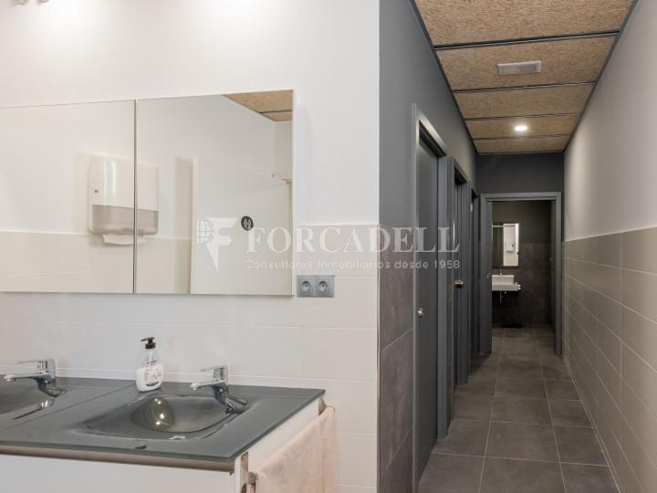 Oficina de nova construcció claud en mà a Cornellà de Llobregat. 11
