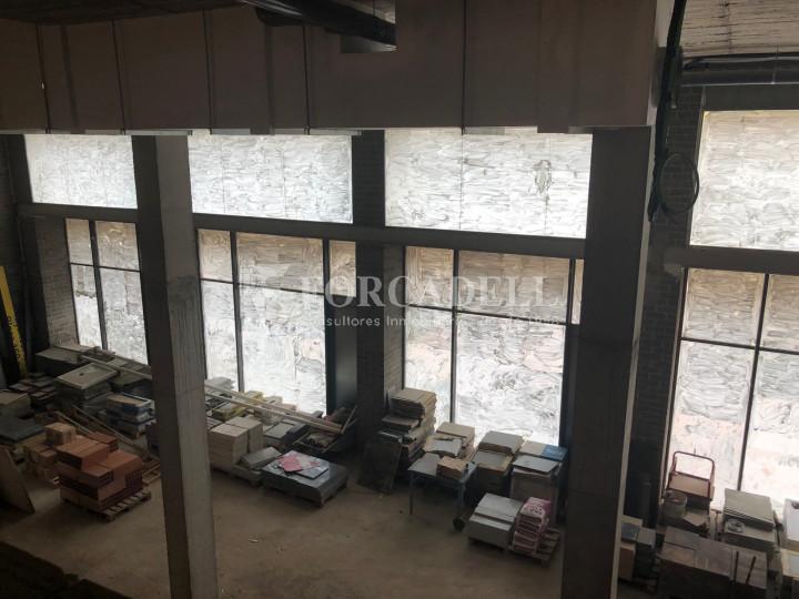 Oficina de nova construcció claud en mà a Cornellà de Llobregat. 12