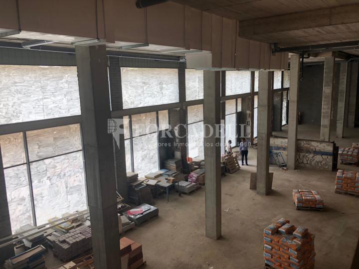 Oficina de nova construcció claud en mà a Cornellà de Llobregat. 13