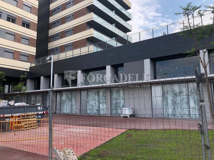 Oficina de nova construcció claud en mà a Cornellà de Llobregat. 14