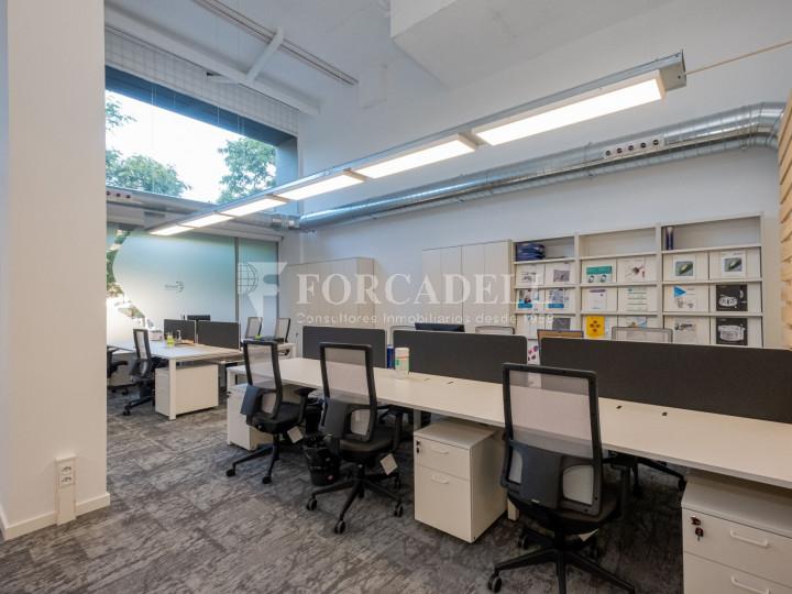 Oficina de nova construcció claud en mà a Cornellà de Llobregat. 3