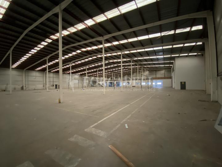 Nave logística en venta o alquiler de 17.067 m² -Caldes de Montbui, Barcelona  2