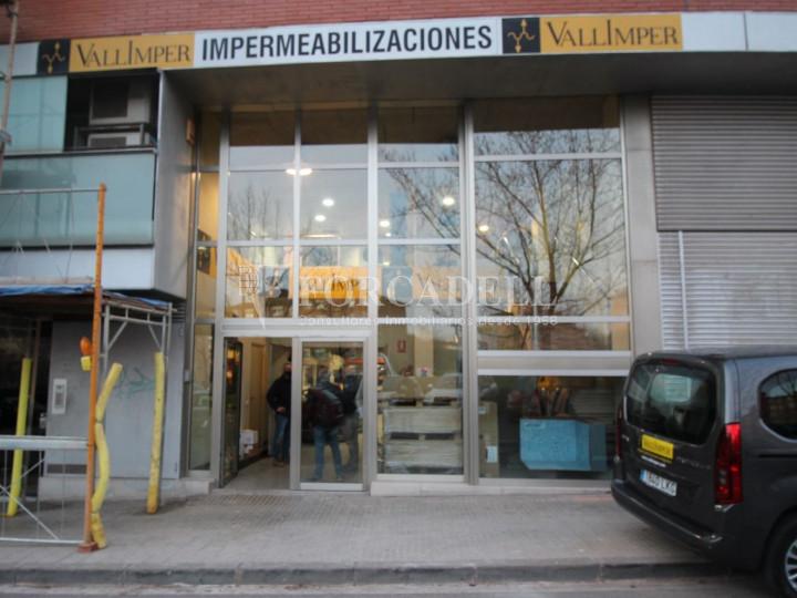 Local comercial situat al districte número 5 de Terrassa. Barcelona. 1