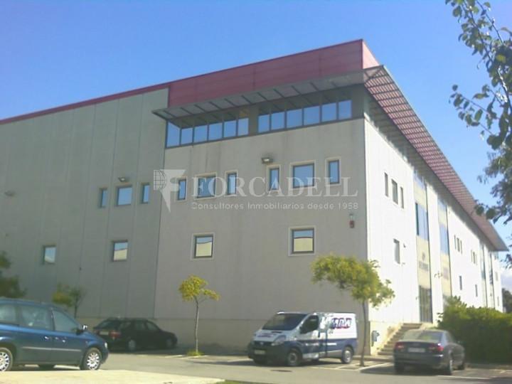 Nave industrial en venta o alquiler de 1.277 m² - Barberà del Vallès, Barcelona.  #1