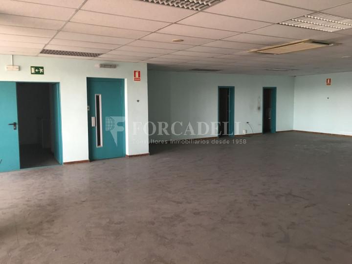 Nave industrial en venta o alquiler de 1.277 m² - Barberà del Vallès, Barcelona.  #7