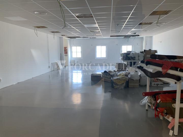 Nau industrial en venda o lloguer de 1.495 m² - Barcelona 10