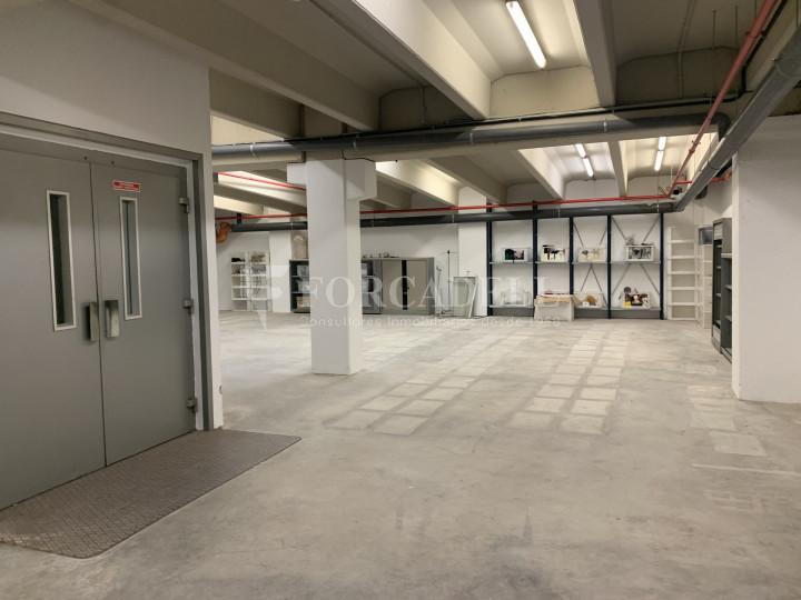 Nau industrial en venda o lloguer de 1.495 m² - Barcelona 11