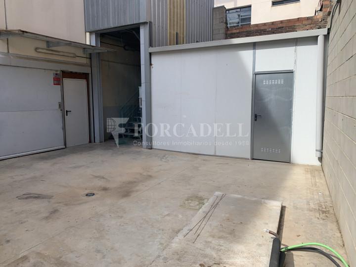 Nau industrial en venda o lloguer de 1.495 m² - Barcelona 14
