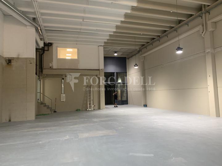 Nau industrial en venda o lloguer de 1.495 m² - Barcelona 4