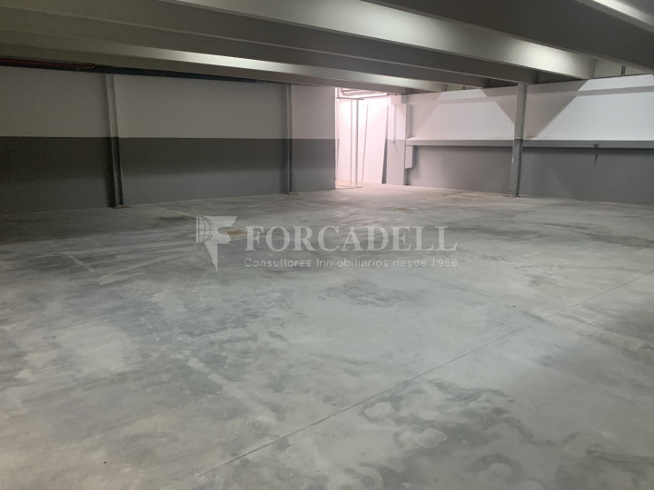 Nau industrial en venda o lloguer de 1.495 m² - Barcelona 5