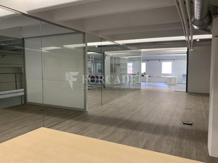 Nau industrial en venda o lloguer de 1.495 m² - Barcelona 6