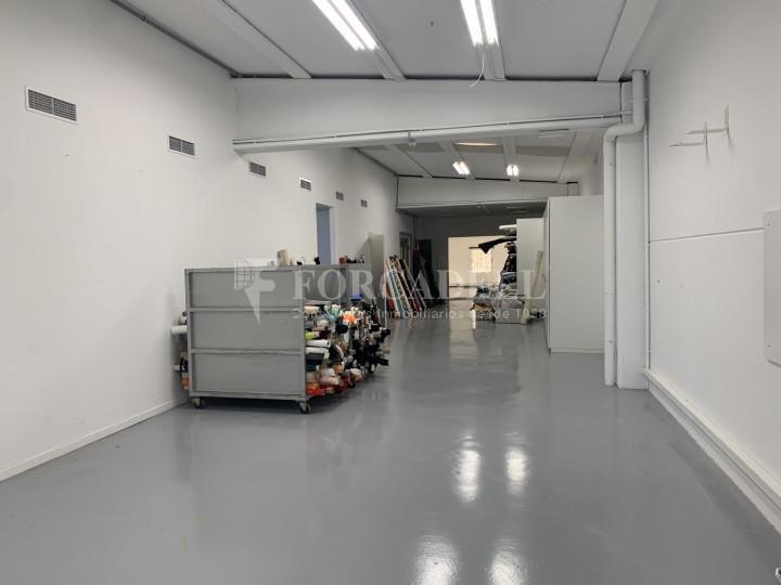 Nau industrial en venda o lloguer de 1.495 m² - Barcelona 8