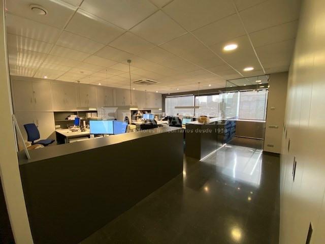 Nau industrial en venda o lloguer de 480 m² - Poblenou, Barcelona  5