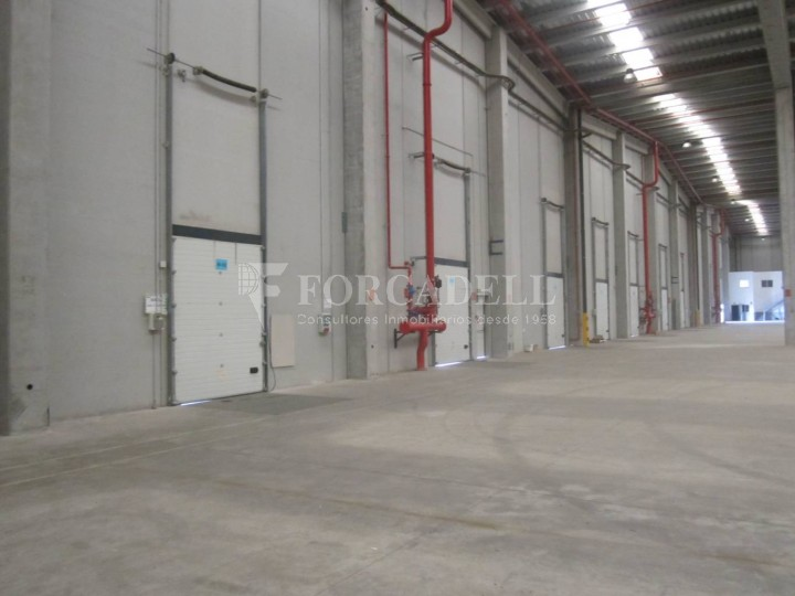 Nave logística - industrial de 9.738  m² en venta o  alquiler - El Pla Santa Maria. Tarragona #11