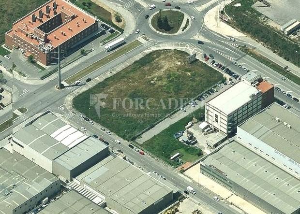 Solar Industrial  en venta/Alquiler - 6.085 m² - Pol. Can Calderon. Cod. 5935 2
