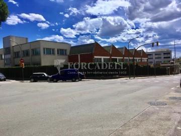 Nave industrial corporativa en venta de 3.285 m² - Granollers, Barcelona