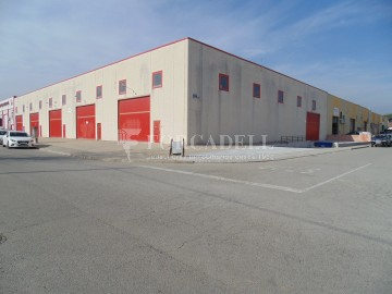Nave logística en alquiler de 4.061 m² - Lliça de Vall, Barcelona.