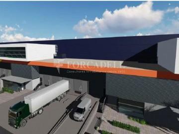 Nau logistica - industrial de lloguer de 3.330 m² - Sant Esteve Sesrovires, Barcelona
