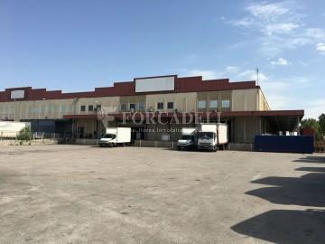 Nau logística en lloguer de 11.020 m² - La Granada, Barcelona