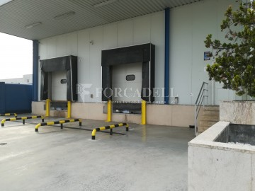 Nau logística en lloguer de 5.702,64 m² - Santa Perpètua de Mogoda. Cod. 21927