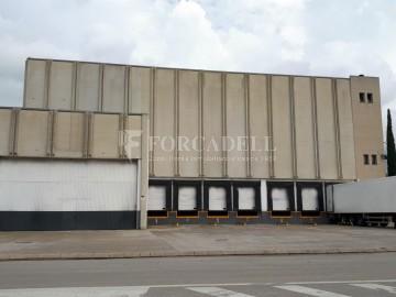 Nau industrial en venda o lloguer d'3.247,45 m² - Sant Joan Despi, Barcelona