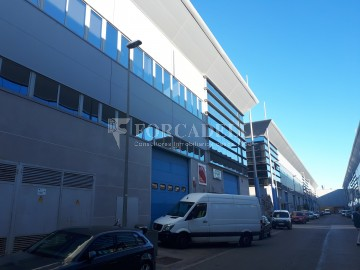 Nau industrial en venda de 1.322 m² - ant Just Desvern, Barcelona.