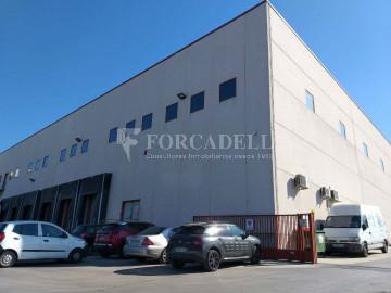 Nau industrial en venda de 1.322 m² - Sant Just Desvern, Barcelona.